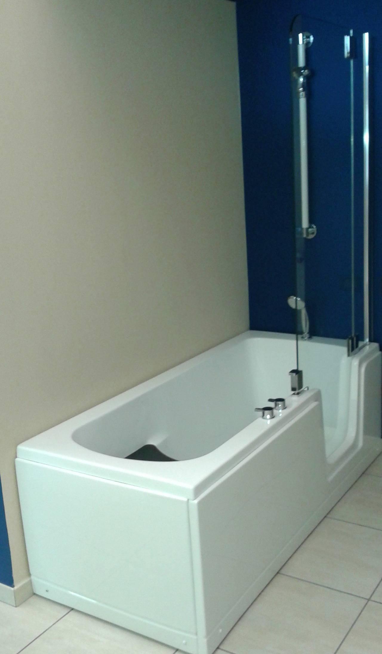 Great duo comfort pi di una semplice vasca o doccia ideale for Camminare attraverso la doccia alla vasca