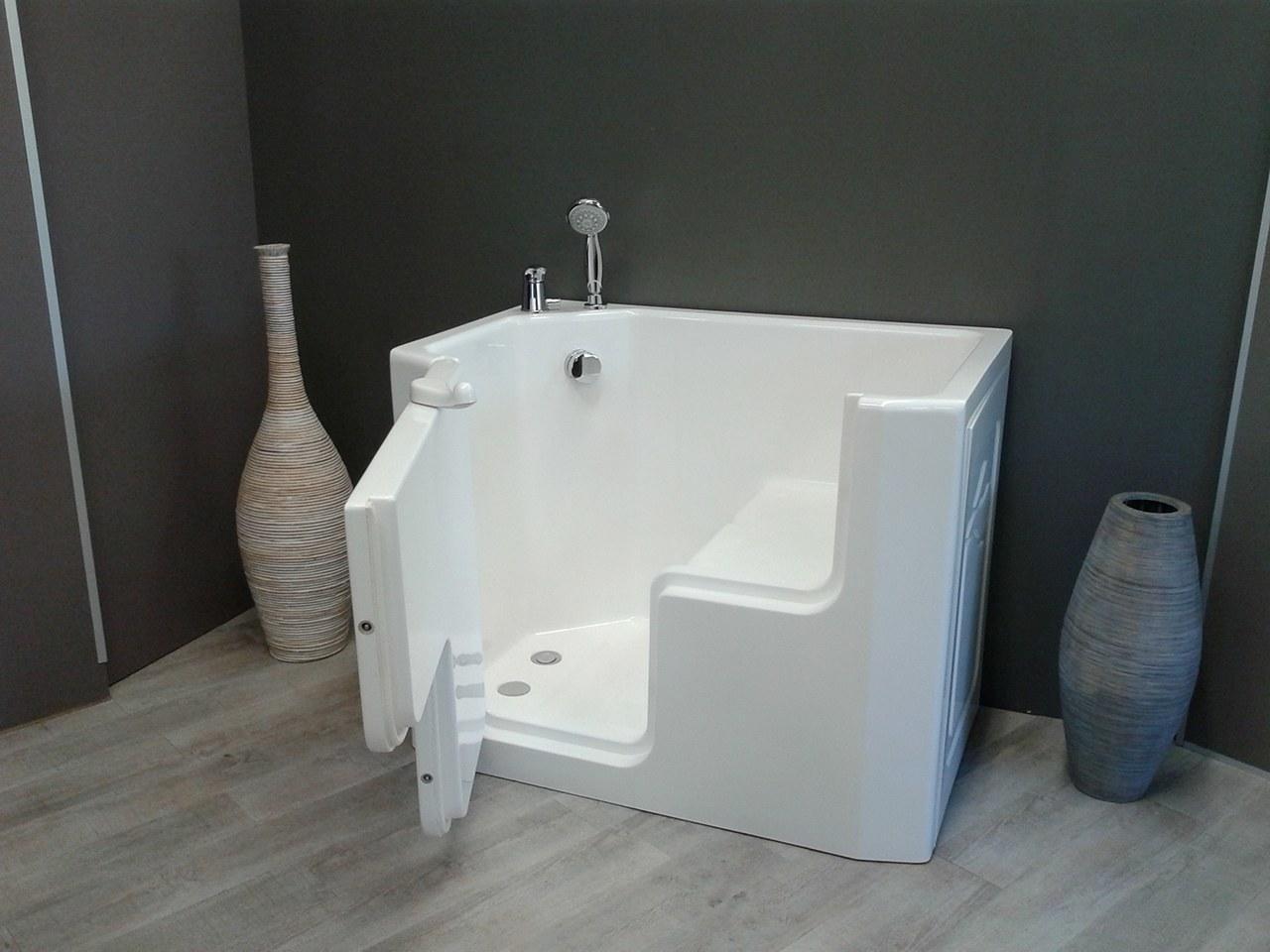 Vasca doccia per anziani e disabili ad accesso diretto - Vasca da bagno piccola con seduta ...