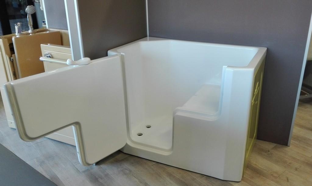 Vasca doccia per anziani e disabili ad accesso diretto - Vasca bagno assistito ...