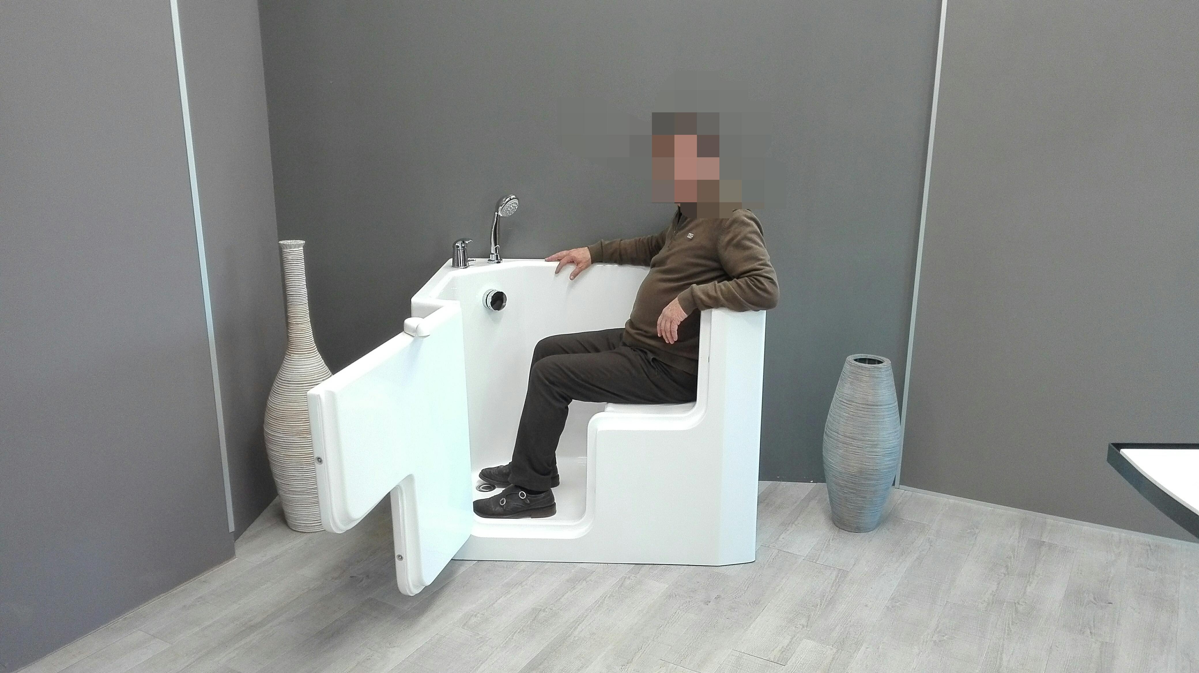 Vasca doccia per anziani e disabili ad accesso diretto - Vasche da bagno per anziani ...