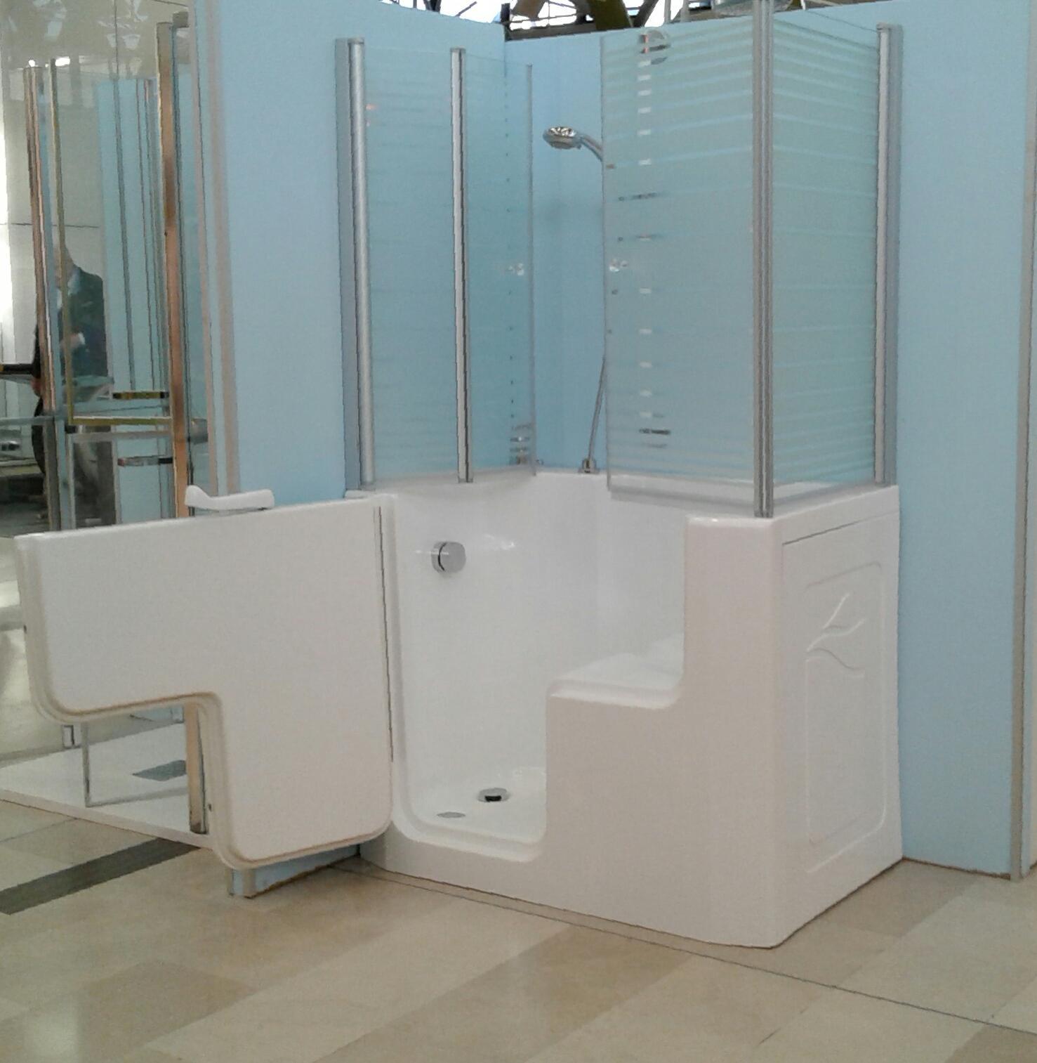 Docce per anziani e disabili sostituzione vasca in doccia - Bagno disabili con doccia ...