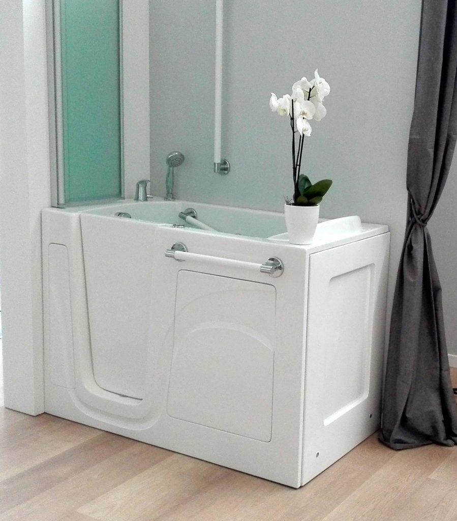 Doccia con seduta docce con seduta con vasca con sportello e doccia per anziani disabili step - Seduta vasca da bagno ...