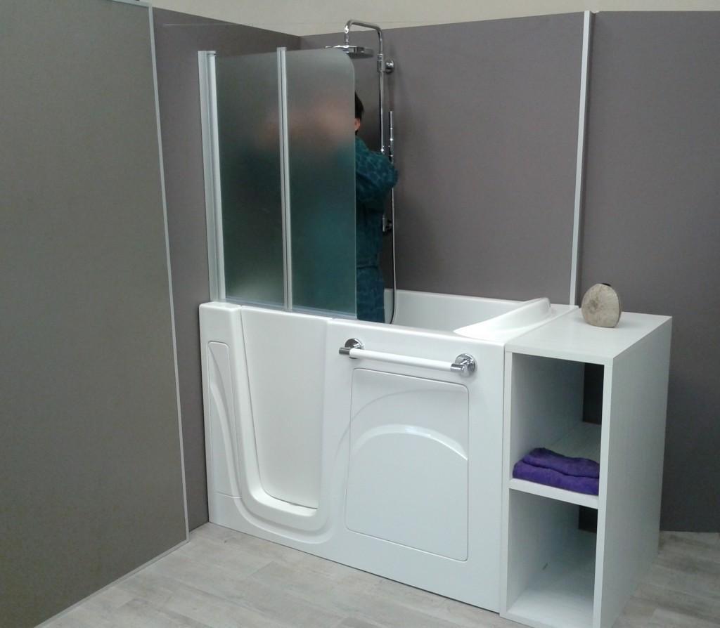 Trendy per essere una vasca da bagno con sportello e - Vasca da bagno e doccia ...